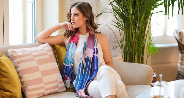 Trend: Spring Fasion silk shawls with pastel colours